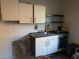 küchenschränke mit herd und spüle