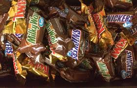 Snickers Halloween Commercial 2015 by N J Is No 3 State For Trick Or Treating According To Candy