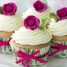 Three types of wedding cake icing