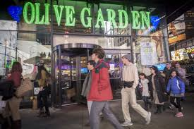 Redditors Reveal Why They Go to the Times Square Olive Garden Eater