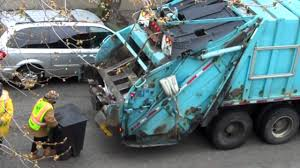 100 Truck Accident Chicago CHICAGO GARBAGE TRUCK YouTube