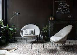 blue wall lounge chair für chillige momente wohnzim