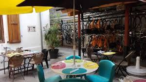 la maison du velo toulouse nous sommes dans la maison du velo à la gare matabiau