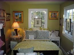 Eclectic Cottage Style Bedroom Decorating Ideas
