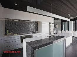 credence cuisine noir et blanc carrelage credence cuisine blanche pour idees de deco de cuisine