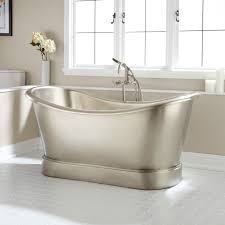 Who Makes Lyons Bathtubs by 66