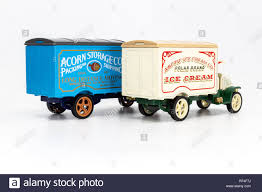 100 Mack Truck Models Old Stock Photos Old Stock Images Alamy
