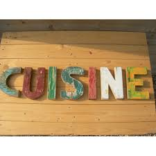 lettre cuisine en bois lettres murales en bois cuisine