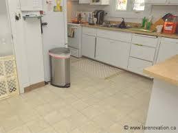 parquet flottant dans une cuisine les revêtements de sol pour la cuisine