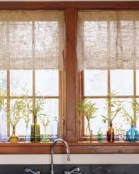 Natural Curtains Give A Rustic Look For Cabin