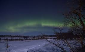 10 Best Places & Time To See The Northern Lights in Alaska Canada