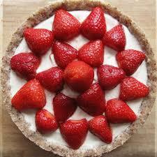 tarte aux fraises pate feuilletee tarte crue vegan aux fraises et à la crème green me up