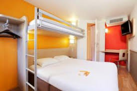 chambre classe chambre à grand lit avec un petit lit picture of hotel premiere