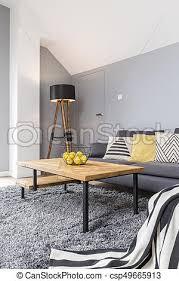 hölzern wohnzimmer graue graue bohnenkaffee decke