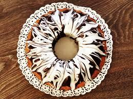 frühlingsrezept saftiger marzipan marmor gugelhupf