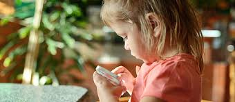 Handing Your Tot A Game On Phone Can Save The Day At Grocery Store But Accidental In App Purchases Add Up Here Are Few Free Apps That