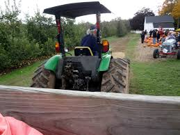 Pumpkin Picking In Waterbury Ct by Pumpkin Patch U0026 Hayride At Norton Brothers Farm In Cheshire Ct