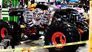 Check Out This Wicked Spectra Chrome MAX-D Monster Truck