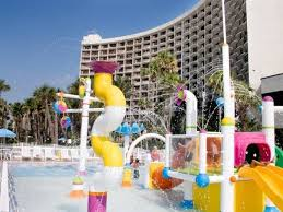 Holiday Inns Kiddie Pool Is The Perfect Place For Families Traveling With Kids Inn Resort On Front Beach Rd