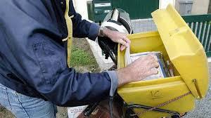 bureau de poste nantes la grève à la poste continue la distribution du courrier perturbée