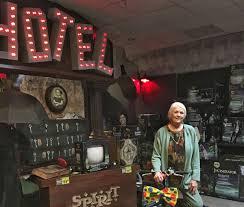 Spirit Halloween Wichita Ks Hours by 100 Spirit Halloween Locations Pop Up Halloween Stores Give