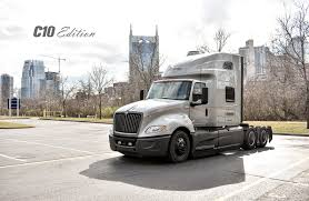 100 Cumberland Truck Equipment C10 News International LeaseRental IC Bus