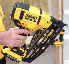 Flooring Nailer Vs Stapler by What U0027s Delaying Dewalt From Coming Out With A 20v Max Cordless