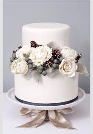 Themes For Winter Wedding Cakes