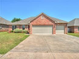 100 Summer Hill Garage 1200 Drive Moore OK MLS 852223 Choice