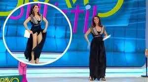 femme de chambre sans culotte sentant une bête sous sa robe une animatrice panique et