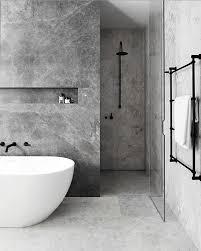 luz negra banheiro decoraçãoempretoebrancobanheiro grey