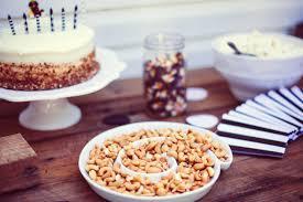 repas bureau image libre anniversaire gâteau d anniversaire nourriture