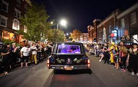 Little Five Points Halloween Parade Parking by Salem Halloween Parade Draws Thousands News North Of Boston