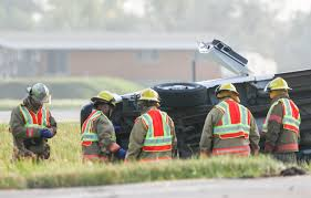 Halloween Express Burnsville Mn by Three Killed When Van From Disabilities Center Crashes On Way To