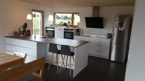 familienküche mit großer halbinsel küchenplanung einer