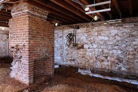 cachee dans la chambre des archeologues ont retrouve la chambre cachee de la maitresse et
