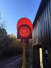 300mm Solar Powered Remote Controlled STOP Light Transport Support