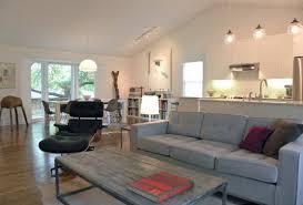 graues sofa im inneren des wohnzimmers 30 fotos ideen und