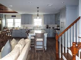 parquet flottant dans une cuisine cuisine parquet flottant cuisine fonctionnalies victorien style