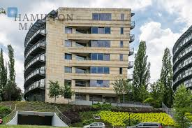 100 Holland Park Apartments Apartment In The Residential Development In The