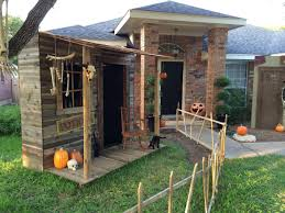 Halloween Porch Decorations Pinterest by Prop Showcase Town Of Restless Witch Shack Going Up Page 2