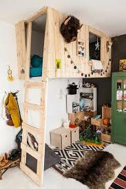 cabane dans chambre lit cabane chambre enfant idée originale lit