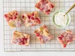 erdbeer rhabarber kuchen mit pudding einfach lecker
