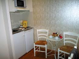 table de cuisine pratique petit coin cuisine pratique picture of hotel residence quintinie