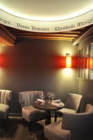 collinet sieges fauteuils collinet au bar à vins burgundy lounge à lyon plus d