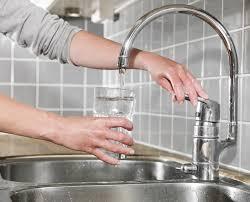 schwergängigen wasserhahn leichtgängig machen