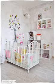 ambiance chambre bébé fille la chambre de le coin dodo barreau trésor et rangement