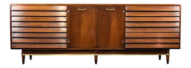 American Of Martinsville Dining Room Set by American Of Martinsville U0027dania U0027 Walnut Credenza Or Triple Dresser