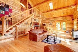 große luxus blockhaus haus wohnzimmer mit großen treppe
