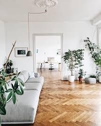 via apartment therapy minimalistische wohnzimmer